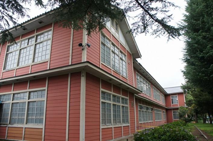 国登録有形文化財 長井小学校第一校舎免震工事 視察ツアー 100mの木造校舎をジャッキアップ  ※募集は終了しました。